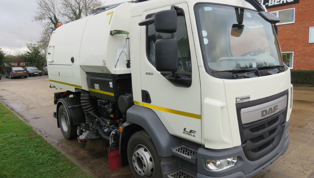 DAF FA LF.230 Johnston road sweeper