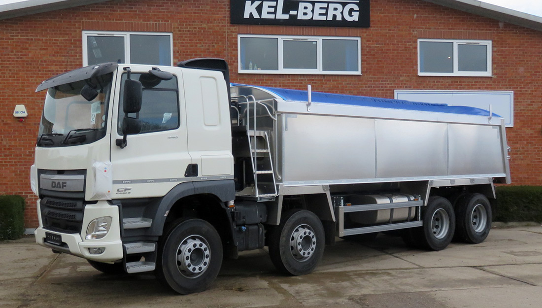 DAF CF 440 sleeper cab with PPG insulated body